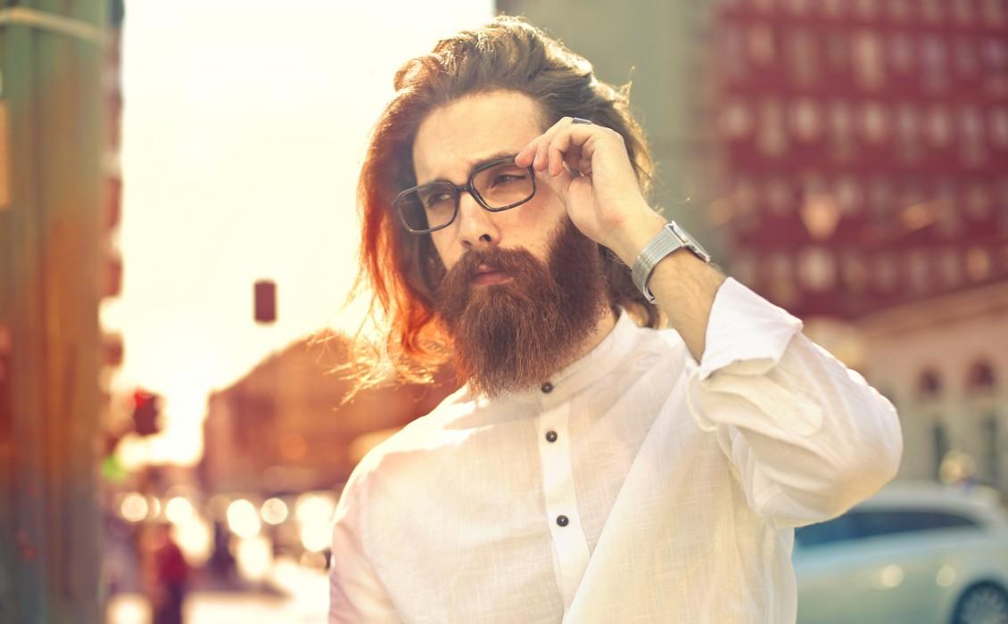 Πώς οι άντρες να φροντίζουν τα μακριά μαλλιά