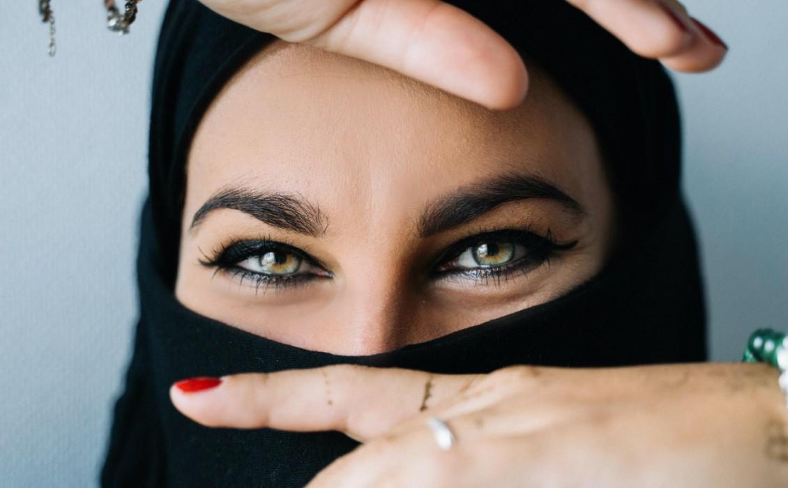 10 τρόποι για να απαλλαγείτε από τα πρησμένα μάτια