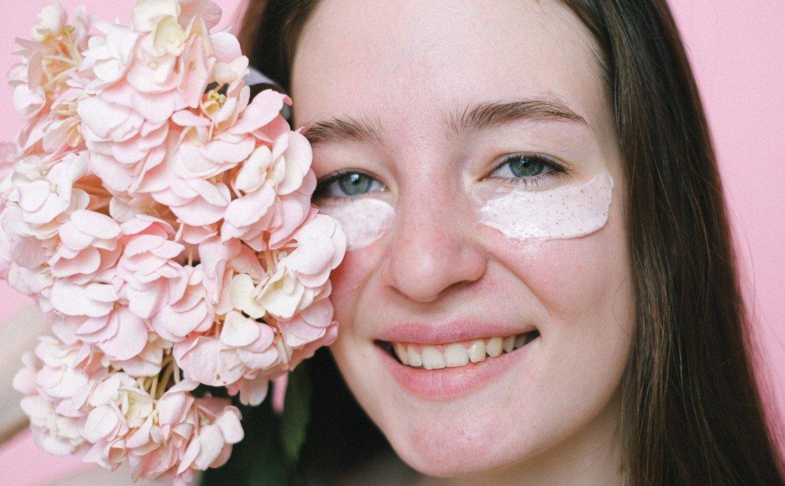 10 οφέλη της κρέμας ματιών, πώς να τη χρησιμοποιήσετε σωστά