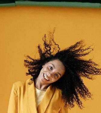 Συμβουλές για το πώς να δυναμώσετε τα λεπτά αδύναμα μαλλιά