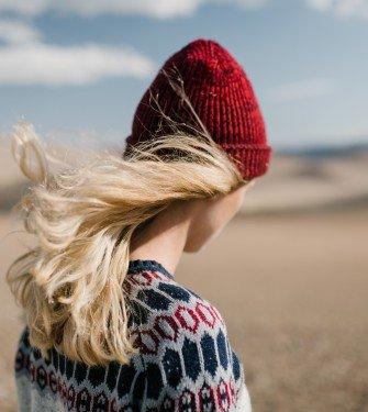 Τρόποι για να κάνετε τα θαμπά μαλλιά σας να λάμπουν
