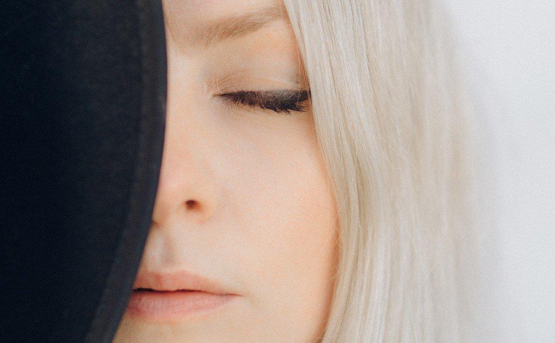 Ξανθά μαλλιά: Τρόποι να τα διατηρήσετε λαμπερά και υγιή