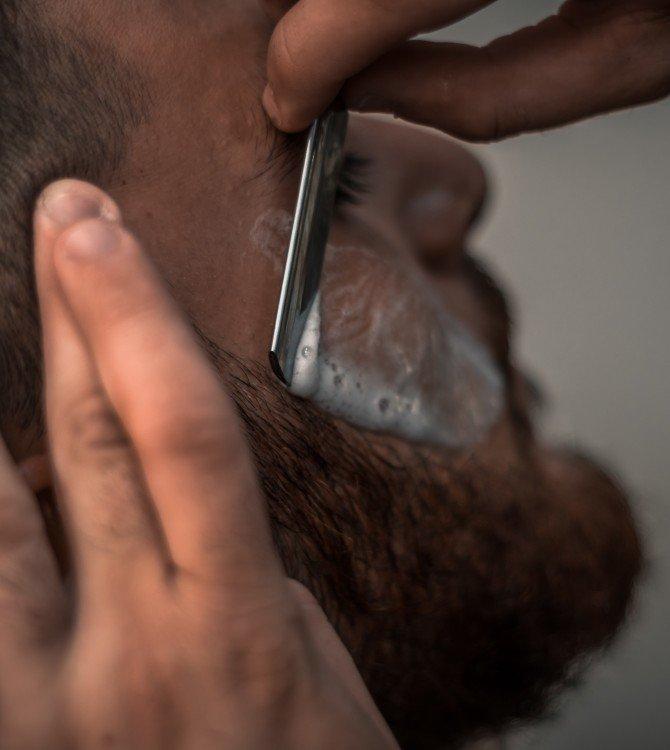 Πώς να φροντίσετε το δέρμα σας μετά το ξύρισμα