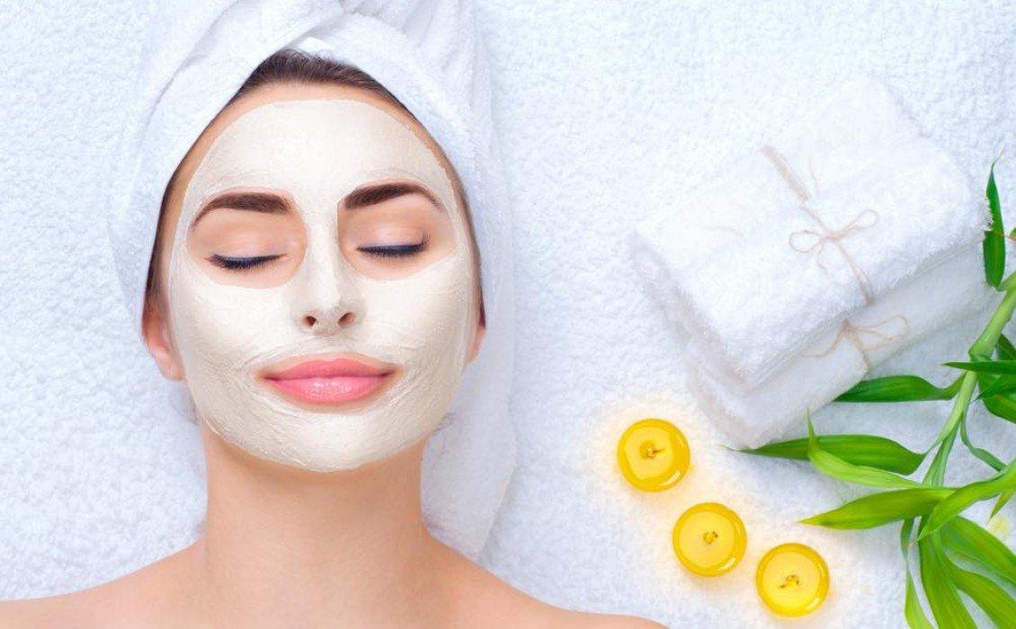 Πώς να εφαρμόσετε σωστά μια μάσκα προσώπου