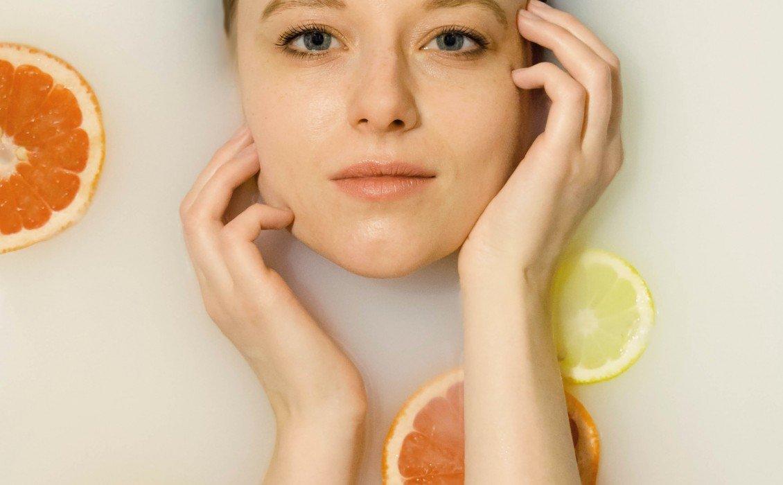 Εκπληκτικά μεγάλο ρόλο στην εμφάνιση και τη νεανικότητα του δέρματός σας, το κολλαγόνο